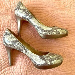 Circa Joan and David Snakeskin print  heels 👠
